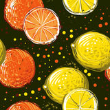 Zitronen und Orangen sind von Hand gezeichnet Vector nahtloses Muster Lizenzfreies Stockbild