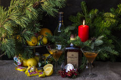 Zitronen und Wein Stockfoto