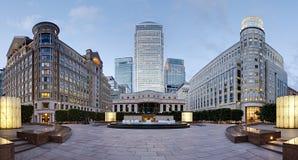 Zitronengelbe Kai-Skyline vom Cabot Quadrat, London Lizenzfreie Stockfotos