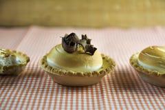 Zitronenkuchen und italienische Meringe Lizenzfreies Stockbild