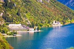 Zitronenplantagen und Garda See fahren nahe Limone die Küste entlang Stockfoto