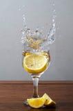 Zitronenspritzen Lizenzfreie Stockbilder