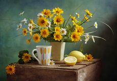 Zitronentee lizenzfreie stockbilder