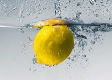 Zitronespritzen Stockbild