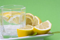 Zitronewasser Stockbild