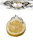 Zitronewasserspritzen Lizenzfreie Stockfotos