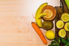 Zitrusfrucht und Früchte mit einer Draufsicht Lizenzfreies Stockbild