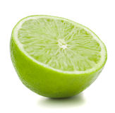 Zitrusfruchtkalk-Fruchthälfte lokalisiert auf weißem Hintergrundausschnitt Stockfotografie