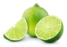 Zitrusfruchtkalkfrucht mit Scheibe und Hälfte lokalisiert auf Weiß Stockbilder