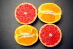 Zitrusfruchtpampelmusenfrucht-Konzeptliebe lizenzfreie stockfotos
