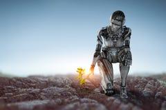 Zitting van de Cyborg de zilveren vrouw op ??n knie en het glimlachen royalty-vrije stock foto