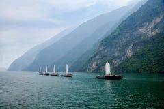 Zixi för kedja för Hubei Badong Yangtze River Wu klyftamun segling Royaltyfria Foton