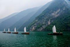 Zixi för kedja för Hubei Badong Yangtze River Wu klyftamun segling Arkivfoton