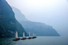 Zixi för kedja för Hubei Badong Yangtze River Wu klyftamun segling Royaltyfria Bilder