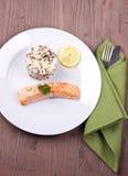 Zizzania con il salmone Immagine Stock