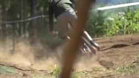Zjazdowej setkarza mknięcia synkliny zakurzony ślad zdjęcie wideo