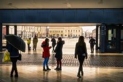 Zjednoczenie kwadratowy Piata Unirii widzieć przy deszczowym dniem w Oradea, Rom Obrazy Royalty Free