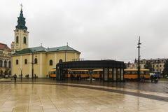 Zjednoczenie kwadratowy Piata Unirii widzieć przy deszczowym dniem w Oradea, Rom Obraz Stock