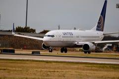 Zlany Boeing na taxi sposobie zdjęcia stock