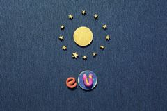 Zlany Europa symbolu słońce w okręgu gwiazdy zdjęcie stock