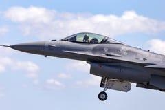 Zlany Staes siły powietrzne USAF Lockheed F-16CJ Walczący jastrząbek 92-3894 od 14th Myśliwskiej eskadry, 35th wojownika skrzydło zdjęcie stock
