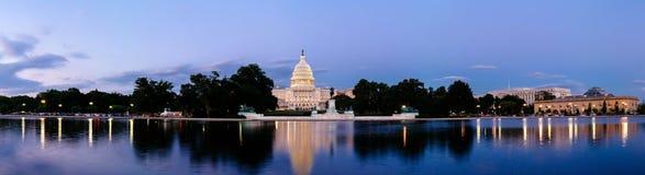 Zlany statuy Capitol budynek Zdjęcia Royalty Free
