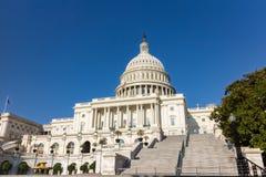 Zlany statuy Capitol budynek obrazy royalty free