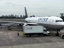Zlany Terminal przy Newark swobody lotniskiem międzynarodowym zdjęcia stock
