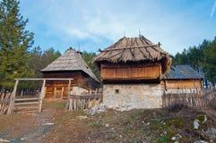 Ethno村庄Sirogojno 免版税图库摄影