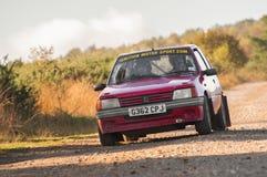 Zlotny Peugeot samochód Zdjęcie Royalty Free