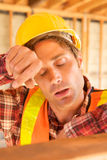 zmęczony budowa pracownik Zdjęcia Stock
