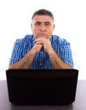 Zmartwiony biznesmen w jego biurze Zdjęcie Stock