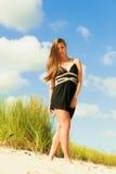 Zmartwiony kobiety plaży miejsce Zdjęcia Stock