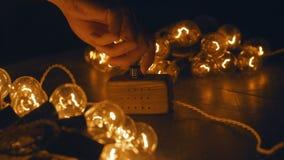 Zmiana, elektrycznego luzowania retro girlanda Stara rocznik żarówka Obraz Royalty Free