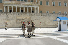 Zmiana strażnik honor przy Greckim parlamentem, Ateny, Grecja, 06 2015 Zdjęcie Royalty Free