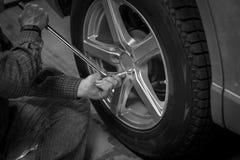 Zmiany i dylemata samochodowy koło Fotografia Stock