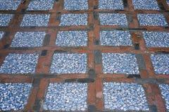 Zmieloni wzór, opanowany drewno i barwiący kamienie zdjęcie royalty free