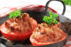 zmielony mięso faszerujący pomidory Zdjęcia Stock