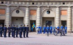 Zmieniać królewskiego strażnika zaszczyt. Sztokholm. Szwecja Obraz Royalty Free