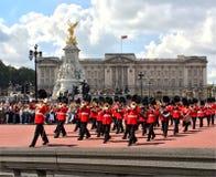 Zmieniać strażników przy buckingham palace Obrazy Royalty Free