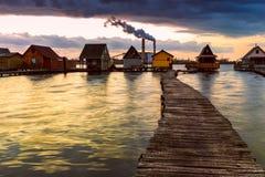 Zmierzch jezioro Bokod obraz stock