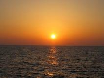 Zmierzch na Śródziemnomorskim wybrzeżu zdjęcia stock