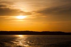 Zmierzch na amazonki rzece Zdjęcia Stock