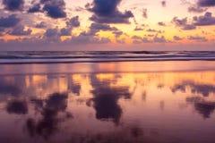 Zmierzch na Baga plaży. Goa Obrazy Stock