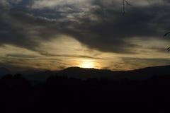 Zmierzch na górach hiszpański wybrzeże obrazy stock