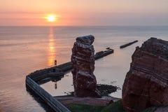 Zmierzch na Helgoland Lange Anna i spokojny morze Fotografia Royalty Free