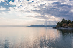 Zmierzch na Jeziornym Kinneret blisko miasteczka Tiberias w Izrael Zdjęcie Royalty Free