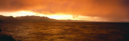 Zmierzch na Jeziornym Tahoe Zdjęcia Stock
