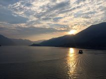 Zmierzch na jeziorze Zdjęcie Royalty Free