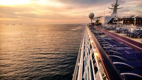 Zmierzch na luksusowym statku wycieczkowym Zdjęcie Royalty Free